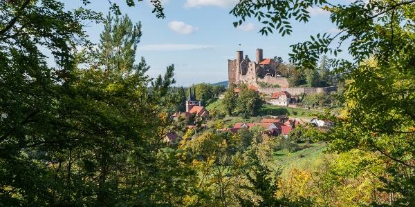 Blick auf Burg Hanstein und Rimbach