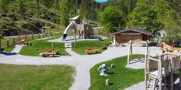 Erlebnisweg Steinzeit mit Spielstationen