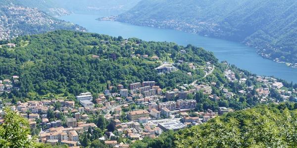 "Vista panoramica dal ""Pin Umbrela"" (609 m)"