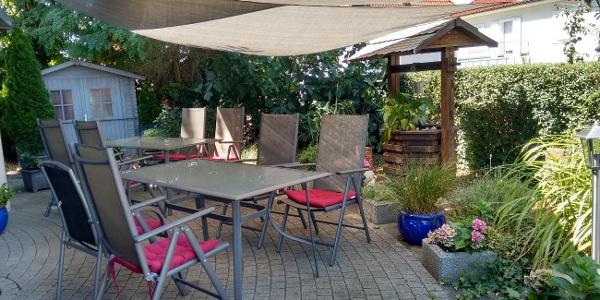 Gaststätte Gleis 3 - Sitzplatz im Garten