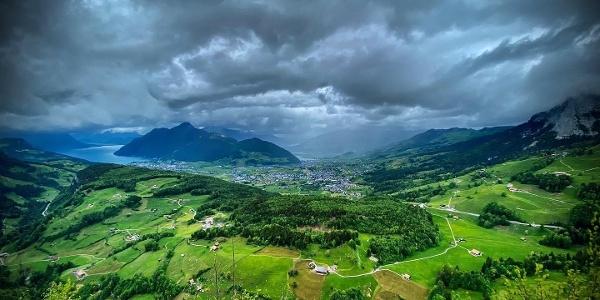 Aussicht von der Fallenflue über den Talkessel Schwyz