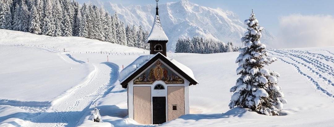 Kapelle bei der Jufenalm im Winter