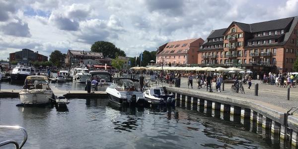 Schleifenroute - Waren Müritz Hafen