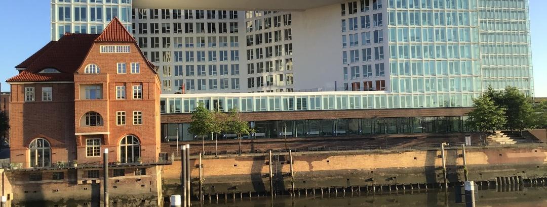 Schleifenroute - Hamburg Spiegelgebäude