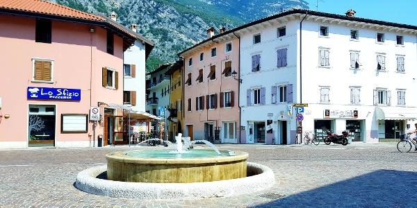 Fontana Dro - Waterdrops