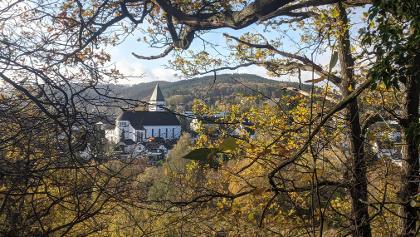 Blick auf Kall mit Kirche