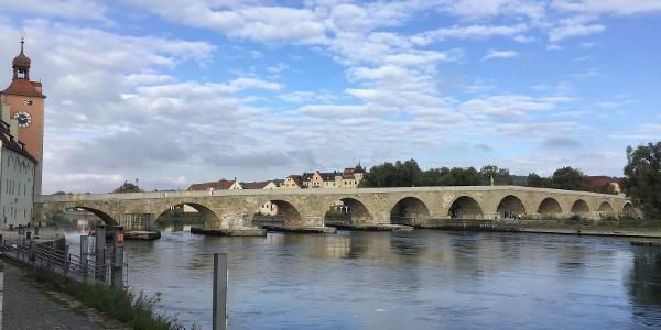 Schleifenroute - Regensburg steinerner Brücke