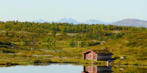 Naustet ved Koversjøen i Vingelen. Hvis du leier hytta følger det med båt.