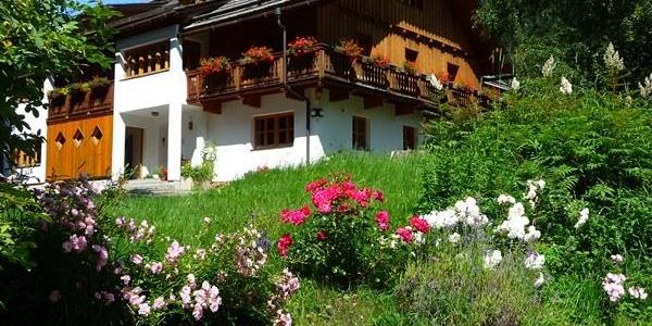 Landhaus Fiausch im Sommer