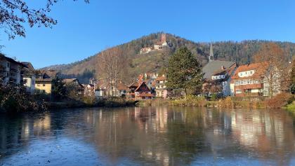 Stadtverwaltung mit Burg Liebenzell