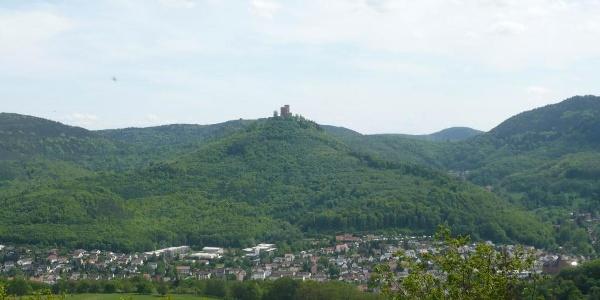 Blick vom Krappenfelsen auf Annweiler