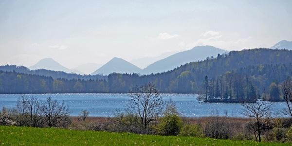 Seehamer See mit Blick in die Berge