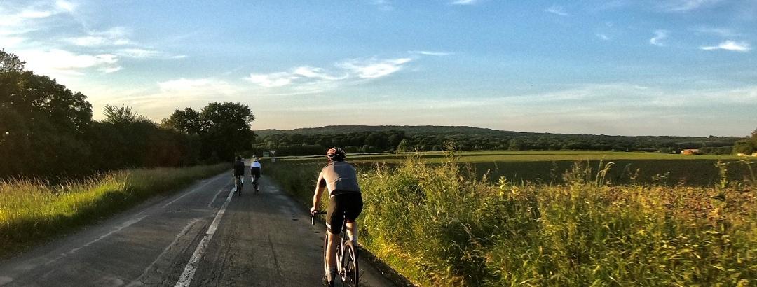 Cyclistes sur les routes du Parc naturel régional du Vexin