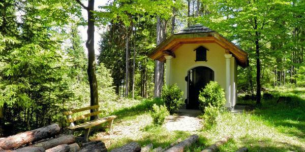 Zum Dank für die Lebensrettung ließ der Themel-Bauer diese Kapelle errichten