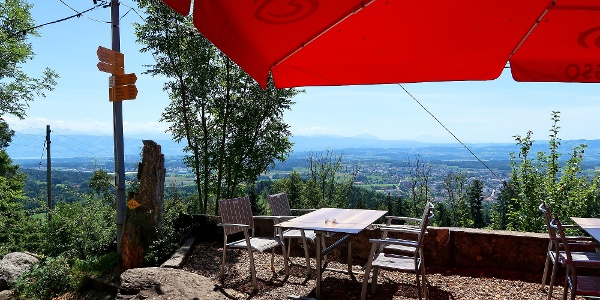 Terrasse beim Berggasthaus Rosinli.