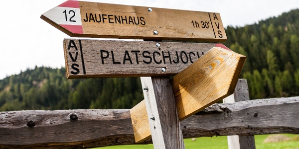 The tour leads from Schluppes to the rifugio Passo del Giovo till the Platschjoch.