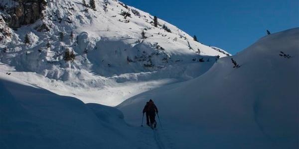 Durch herrlich verschneites Gelände zur Paraccia.