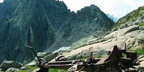 Cima Danerba: viste meravigliose sulle cime delle Valli di Fumo e Daone