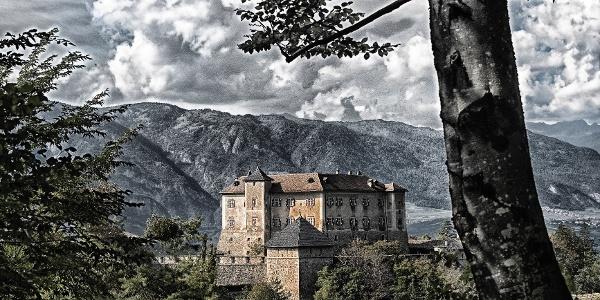 Die 5. Etappe der Via Vigilius führt vorbei am Castel Thun