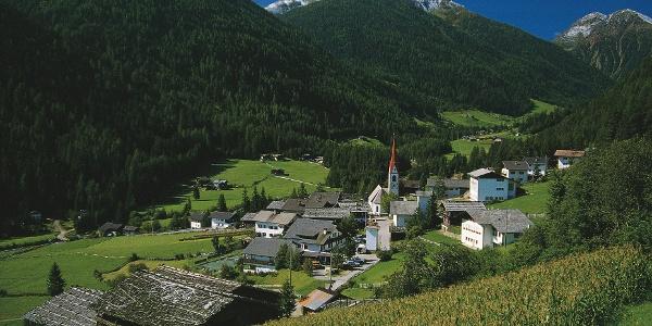 Die Radtour führt bei St. Nikolaus am Höfeweg ein Stück entlang.