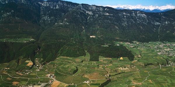 Blick auf das Weingebiet um Kaltern