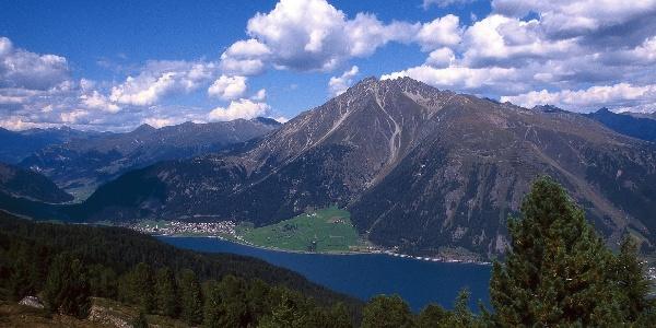 Blick vom Haider Höhenweg zum Reschensee und Klopaierspitze