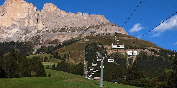 Start of the tour in Catinaccio aerea is the lift to Paolina haven.