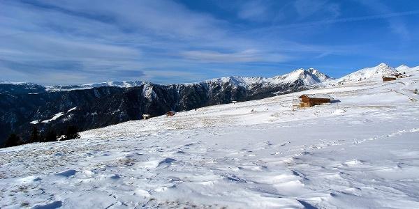 Der Kühberg oberhalb von Klausen im Eisacktal ist für sanfte Schneeschuhwanderungen bekannt.