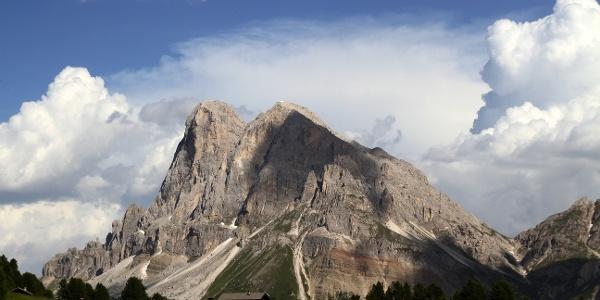The Sass Putia/Peitlerkofel (2875 m).