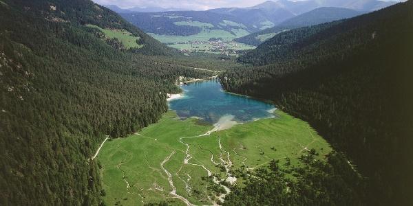 Das Feuchtgebiet um den Toblacher See.