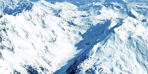 The Cima dell'Alpe peak, at the right bottom.