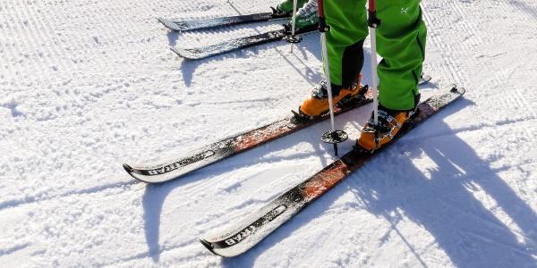 Auf der Skipiste zur Lazaunalm und über den Nordanstieg auf die Saldurspitze.