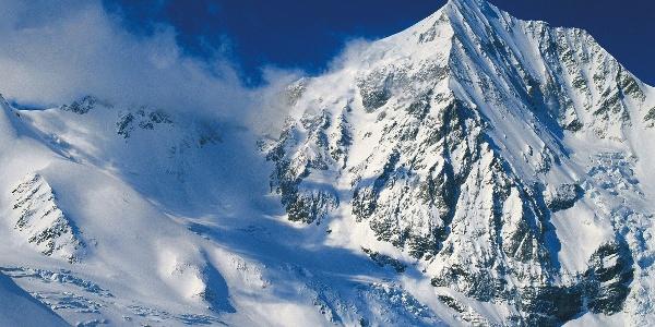 Neben der imposanten Königsspitze in Sulden hinauf auf das Schrötterhorn.