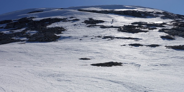 Kangimut Sammisoq ski touring. Photo by Jakob Abermann