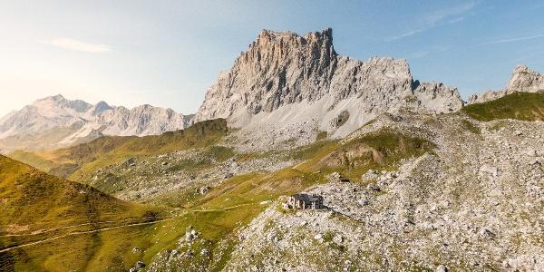 Carschinahütte SAC oberhalb St. Antönien im Rätikon
