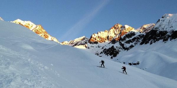 Oberhalb des Latschengürtels, ab hier nun freies Skigelände.