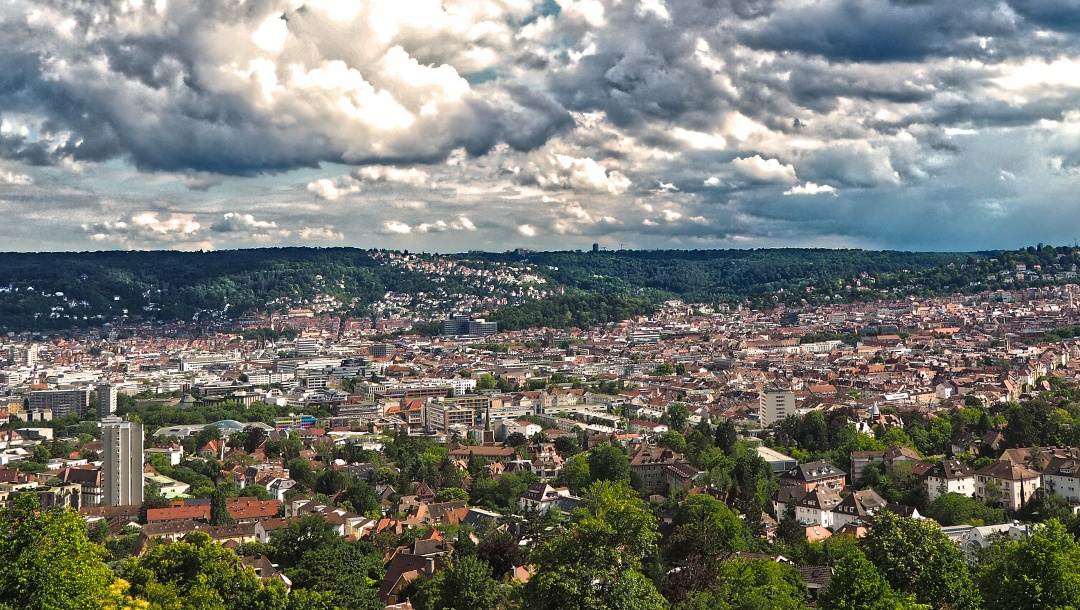 Stuttgart vom Bismarckturm aus