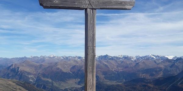 Gipfelkreuz des Piz Arina