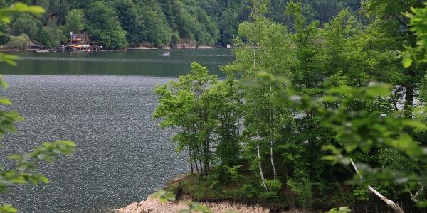 Peisaj de pe lacul Tarnița