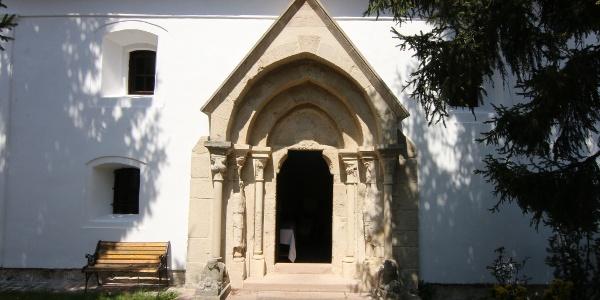 A litéri református templom bélletes kapuja