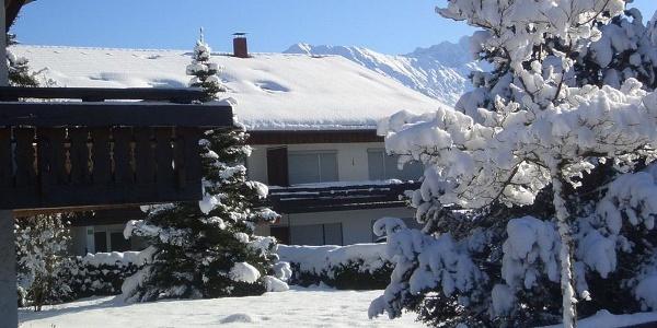 Haus Hörnergruppe im Winter