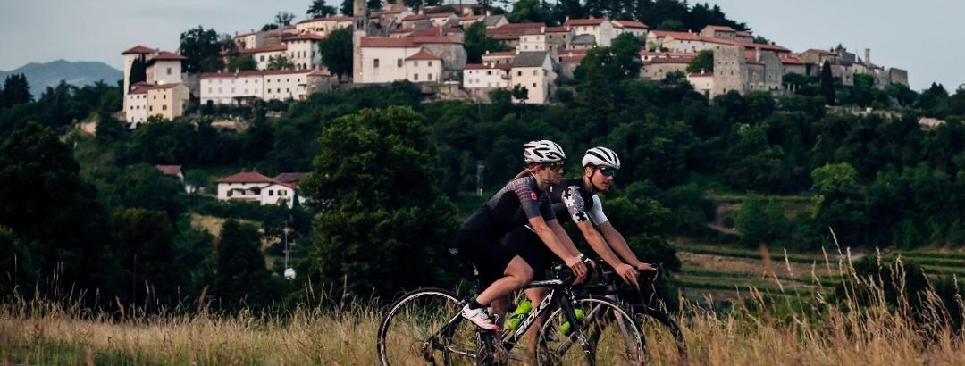 Rennradfahren im Karst