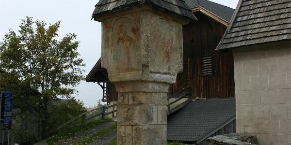 Wayside shrine in Laion