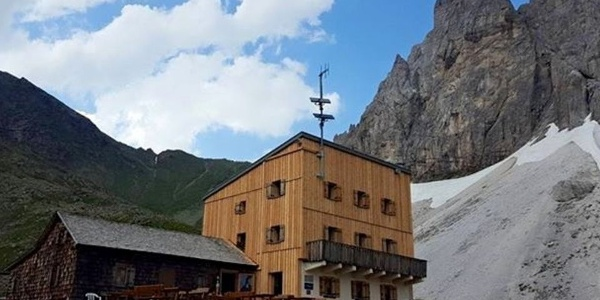 A nice hike leads to the Tribulaun Lodge in Val di Fleres.