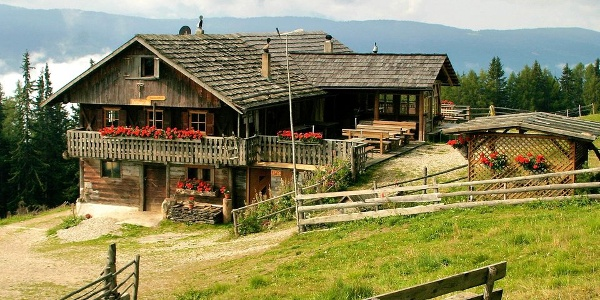 The Pertinger Alm is a quaint retreat above Terenten - Terento in Val Pusteria
