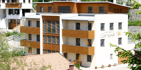 The Corona Apartments in Curon in the Val Venosta valley offer comfortable apartments.