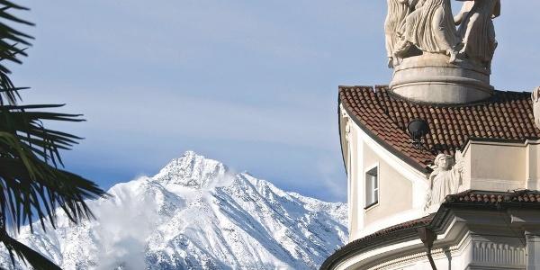 The surroundings of the Kurhaus Merano is high alpine.
