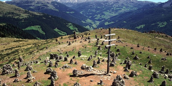 """Mystic - the stone figures of the """"Stoanernen Mandln"""" in the Sarntaler Alps."""