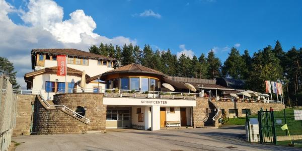 Popular for it's delicious pizza, the restaurant Pizzeria Sports Center in Nova Ponente