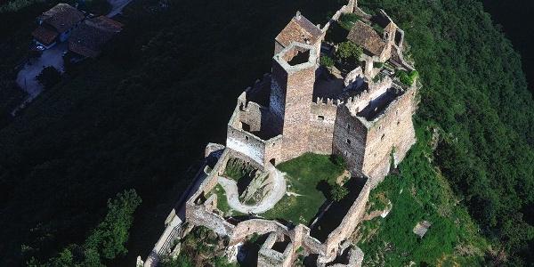 A beautiful place to visit the Castello di Appiano castle.